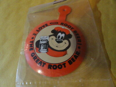 """A&W """"I LOVE ROOT BEER! - THE GREAT ROOT BEAR!"""" PIN / BUTTON Brand New! VINTAGE"""