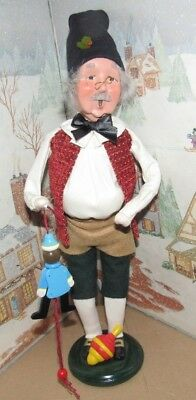 HBYERS CHOICE CAROLER Toy Maker with Puppet and Top  2012    *
