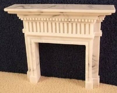Dolls Fireplace surround with square columns and wide mantle - 1:24 24th Scale