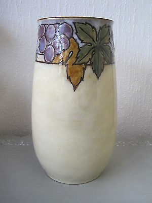 Lovely Royal Doulton Lambeth Artware New Style Vase Grape & Vine