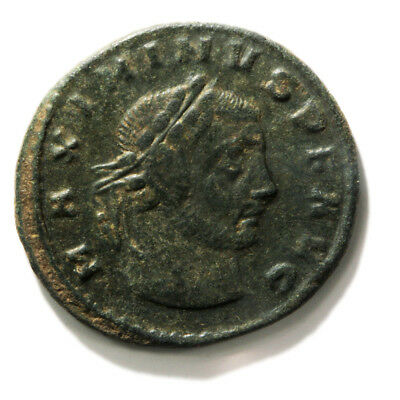 Bronze Coin of Roman Emperor Maximinaus II (309-313 AD). Follis in Very Fine con