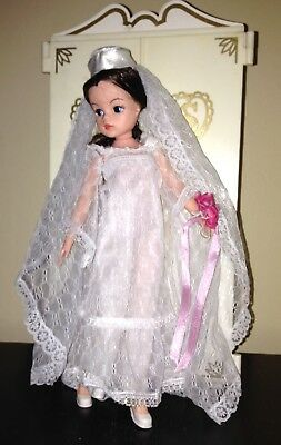 1977 Vintage Sindy Doll Boxed Fashions Beautiful Bride Complete Bridal Clothes