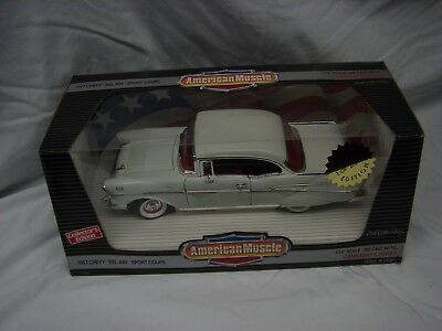 Ertl American Muscle 1:18 Scale Car 1957 Chevy Bel Air Sport Coupe White Rare