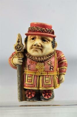 Harmony Kingdom/Ball Pot Bellys / Belly 'Beef Eater' Beefeater #PBPBE New In Box