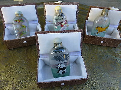 Superb Set of 4 vintage chinese snuff bottles with boxes [Y8-W6-A9]