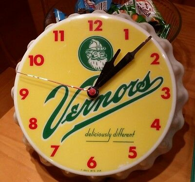 Vintage Vernors Ginger Ale Advertising Bottle Cap Clock 1950's