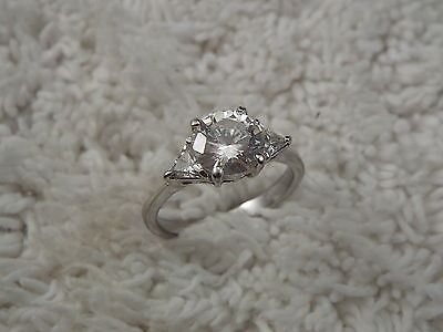 Silvertone Crystal Ring - Size 8 (B48)