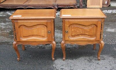 Vintage Louis Xv Style French Carved Oak Pair Of Bedside Cabinets - (Con178)