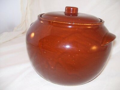 Brown Pottery USA Large Bean Pot with Lid 7C Oven Ware Retro Watt?
