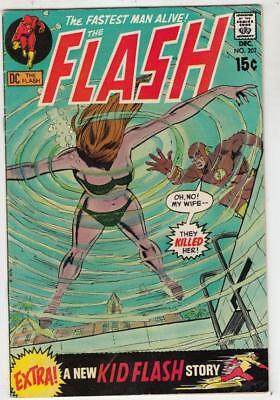 Flash, The  # 202  strict  VF/NM  appearance  Kid Flash back-up story.