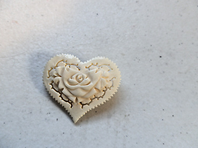 ~ Retro Faux Mop Mother Of Pearl Heart Pin Brooch