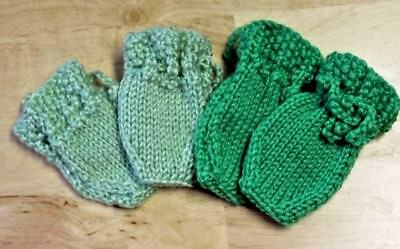 HaHand Knitted Baby Clothes Boy / Girl 2 Pairs of Mittens  Preemie Newborn  D40
