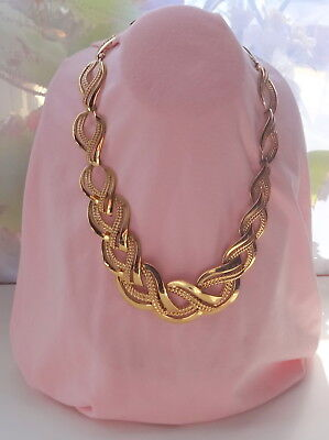 NAPIER Pat 4774743 Gold-plated Continuous Waves Ribbed Necklace
