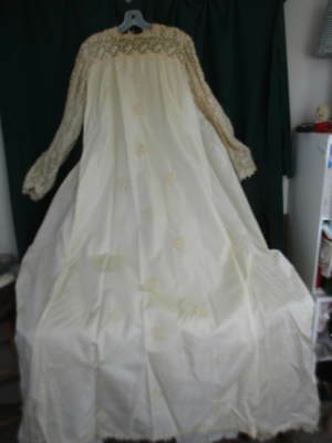"Unusual Vintage 1960's Midcentury ""A"" Line Wedding Gown w Bustle & Lace & Pearl"