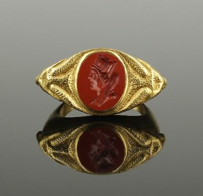 STUNNING ANCIENT ROMAN GOLD RING  WITH JASPER TYCHE INTAGLIO - 2nd Century AD