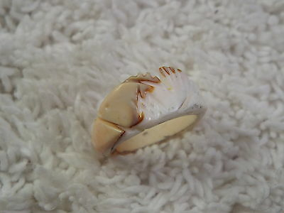 Fish Carved Shell Ring - Size 5 (D41)
