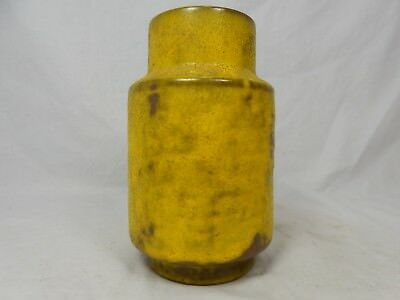 Formschöne well shaped 60´s Design Fritz van Daalen Keramik Vase 195 / 15 yellow