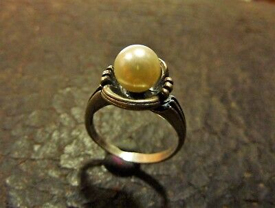 Vintage silver ring with pearl (351).
