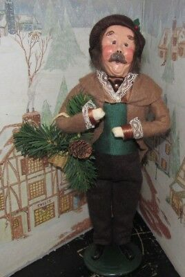 BYERS CHOICE Victorian Man with Greens and Pine Cones 1991   *