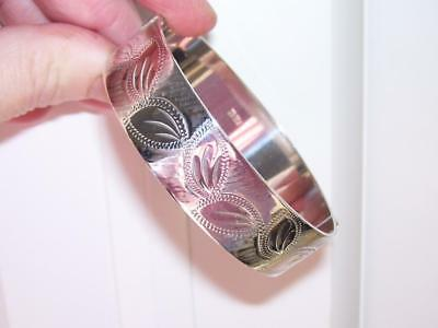 Stunning Antique Solid Silver Wide Heavy Quality Engraved Hinged Bangle 36 Grams