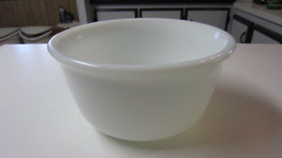 Vintage Hamilton Beach Milk Glass Large Mixing Bowl # 15, 9 in. x 4 3/4 in.
