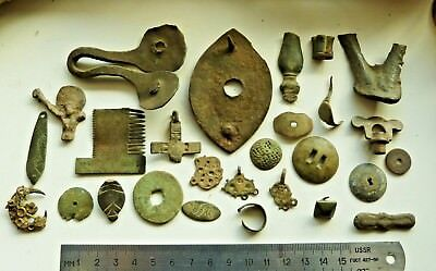 Lot Of Antique Old Bronze detecting finds (s030).