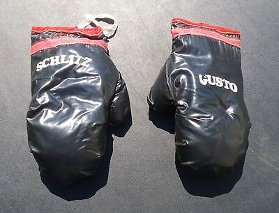 RARE VINTAGE 1960s SCHLITZ GUSTO PROMOTIONAL ADVERTISING SMALL BOXING GLOVES