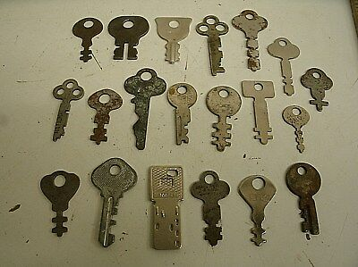 "Vintage Lot of 20 Flat Skeleton assorted Keys steampunk 1.25""-2"" (i)"
