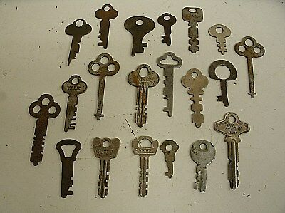 "Vintage Lot of 20 Flat Skeleton assorted Keys steampunk 1""-2.25"" (B)"