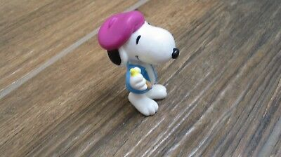Peanuts Snoopy Easter Whitman candies PVC figure Snoopy as artist with egg
