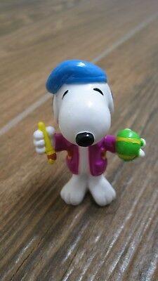 Peanuts Snoopy Easter Whitman candies PVC figure Snoopy painting green egg