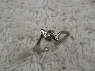 Sterling Silver Crystal Ring - Size 8  (D11)