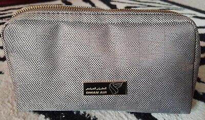Oman Air Amenity Kit Kulturbeutel business class Amouage Schlafmaske etc. NEU