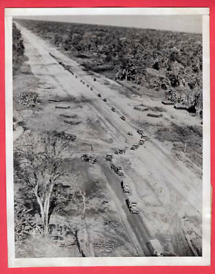 1945 First Convoy on New Ledo Road to Kunming China 7x9 Original News Photo
