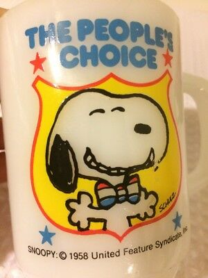 Vintage 1980 The People's Choice SNOOPY ANCHOR HOCKING COFFEE MUG Milk Glass 4'