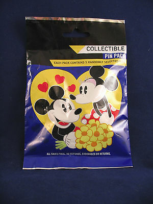 Disney Pin Pack MICKEY MINNIE IN LOVE  Mystery Pack SEALED Set of 5