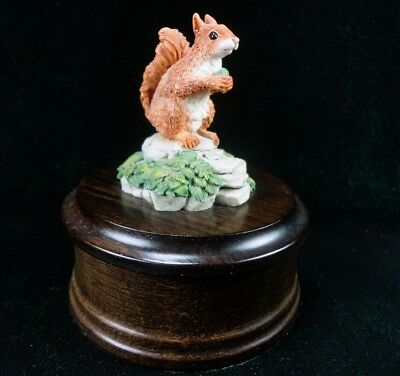 Country Artists Squirrel & Nut Figurine Top Wood Trinket Box Vntg Langford 1986
