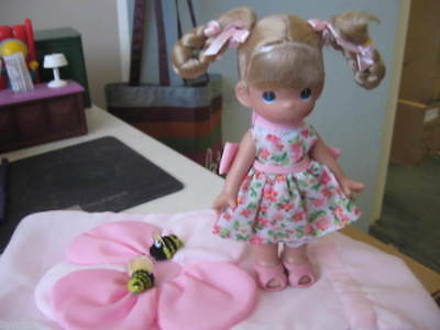 """Precious Moments Bee-Ing With Friends 7"""" Doll #6516"""