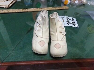 Antique Baby High top 3 Button Shoes Leather White with Flower Embellishment Vin