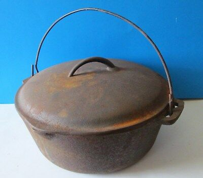 Vintage 1950's Made In Usa  N0 8 10-5/8 Inch Dutch Oven  Cast Iron Pot