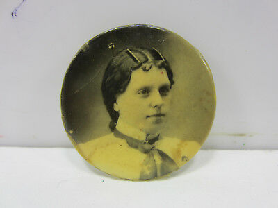 Antique Mourning Photograph Pin of Woman