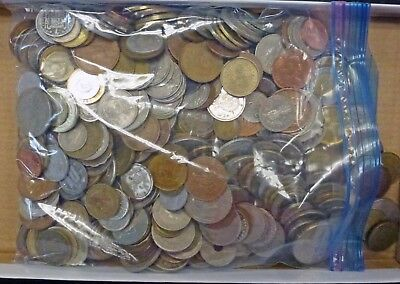 {BJSTAMPS}  5 lbs. pounds, foreign coins good mix of countries  bag of 500-600