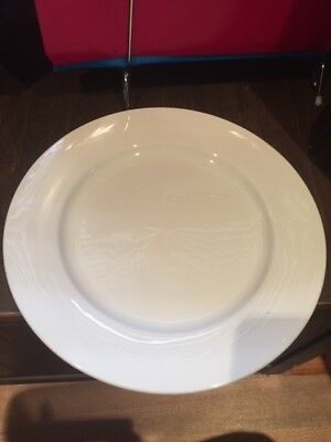Maxwell Williams Catering  White Bistro Entree Plates - Excellent Condition