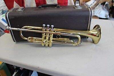 Yamaha Trumpet Ytr 2320 Beginner Student Model With Mouthpiece And Case