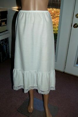 "Vintage Mel-Lin white flared half slip with 9"" ruffle & 2"" crocheted lace sz L"