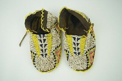 Antique Beautiful Hand Crafted Native American Beaded Hide Child's Moccasins