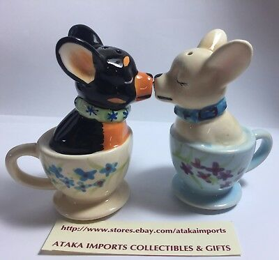 Chihuahua Teacup Puppy Dog Ceramic Salt and Pepper Shakers Set Magnetic Attached