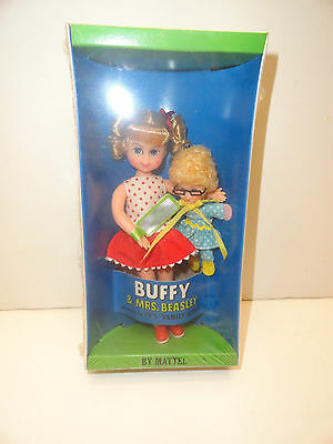 1967 Mattel Buffy & Mrs. Beasley Doll Family Affair Tv Show Nrfb