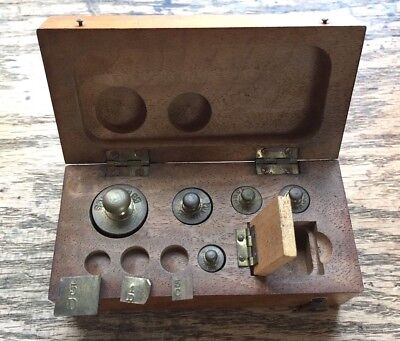 Orig. Antique Small WOODEN BOXED SET W T AVERY ? Apothecary TINY BRASS Weights