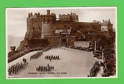 Vintage postcard. Edinburgh Castle , Changing the Guard, Edinburgh. 1935